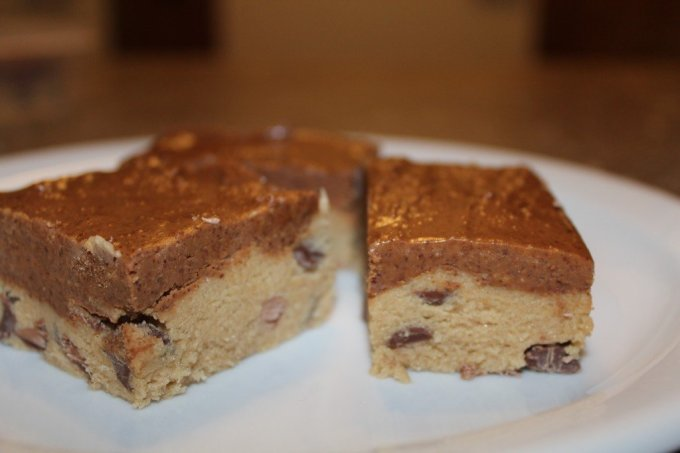 Chocolate Chip Cookie Dough Protein Bars: 3ten.ca