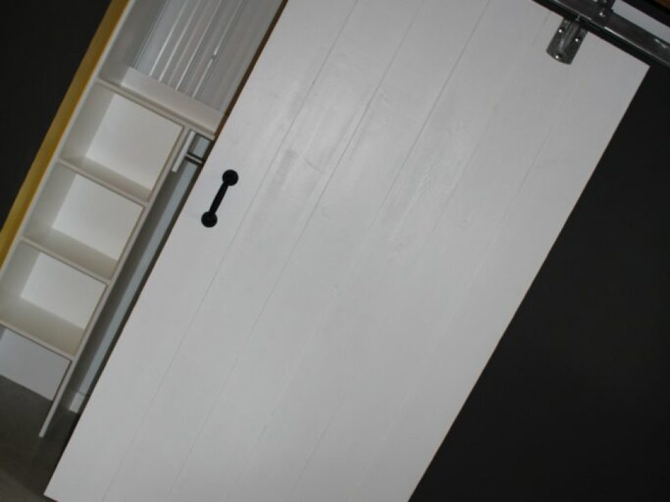 DIY Barn Door: 3ten.ca