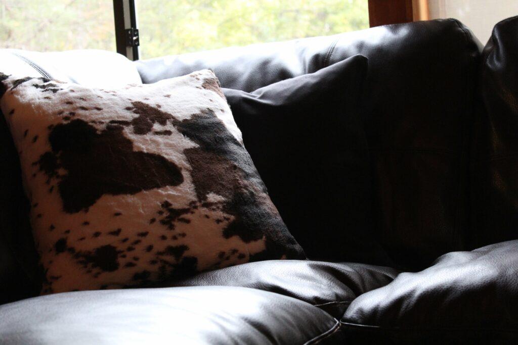 Cozy Pillow Covers: 3ten.ca