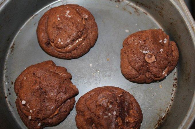 Carmel Stuffed Chocolate Cookies: 3ten.ca #cookies #baking