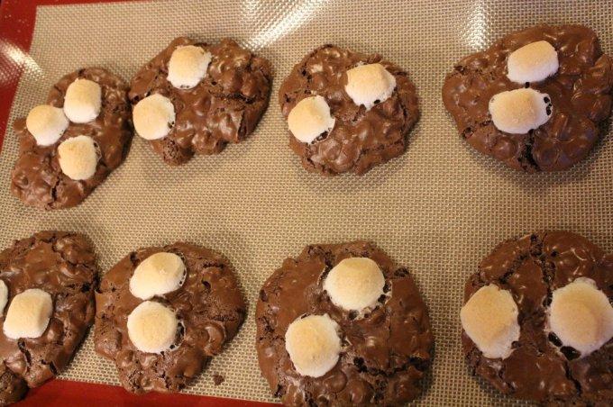 Rocky Road Brownie Cookies: 3ten.ca #cookies #glutenfree