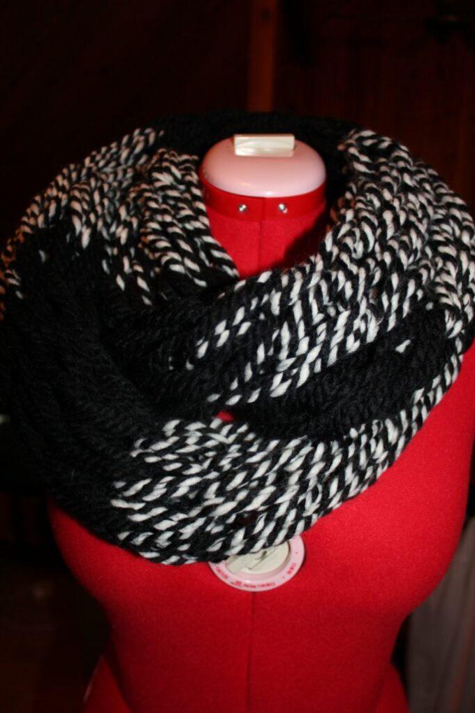 Arm Knitting: 3ten.ca #knitting #infinity #scarf