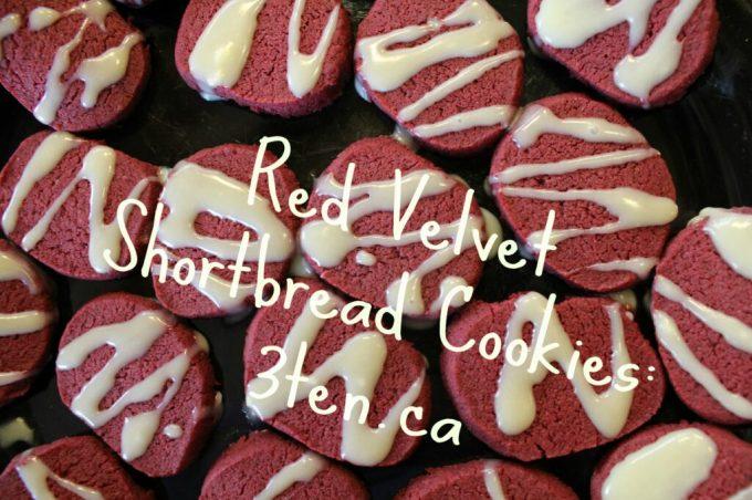 Red Velvet Shortbread Cookies: 3ten.ca #cookies