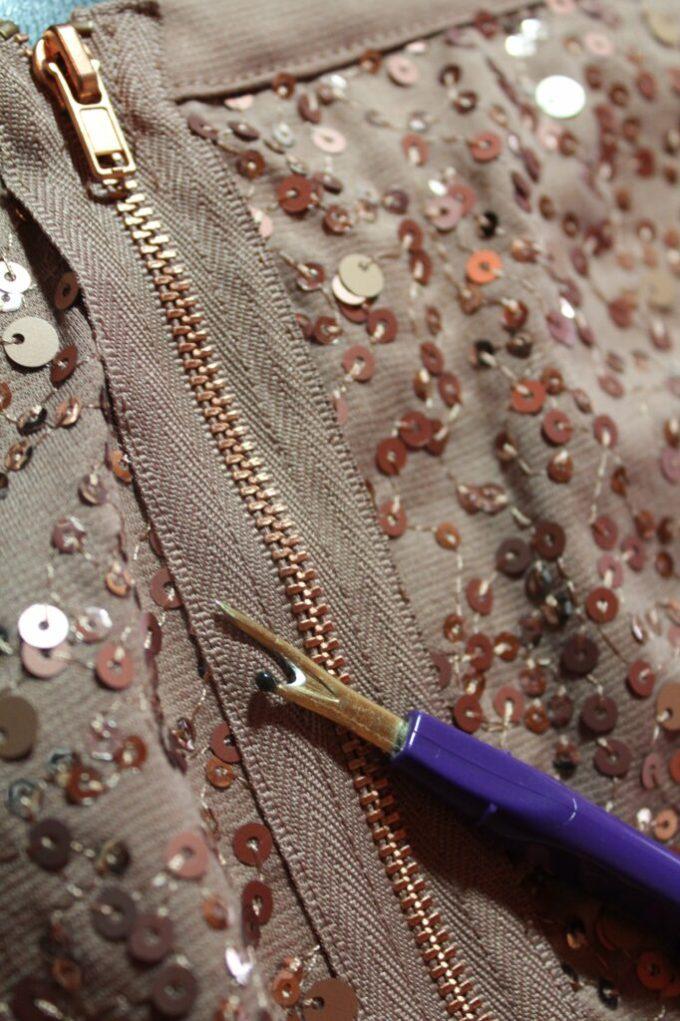 Skirt to Clutch: 3ten.ca #sewing #fashion