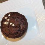 Nutella Stuffed Cupcakes: 3ten.ca #nutella #chocolate #cupcakes