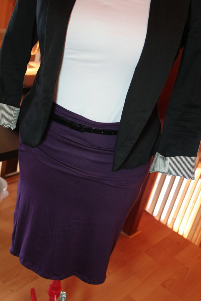 Pencil Skirt: 3ten.ca