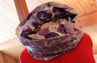 Fat Quarter Infinity Scarf: 3ten.ca #fatquarter #scarf #quiltingcotton