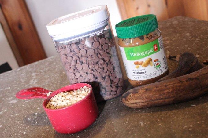 Banana Protein Bites: 3ten.ca #cleaneating #breakfast #protein