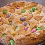 Easter Cake Mix Cookie Cake: 3ten.ca #easter #cookie #cakemix