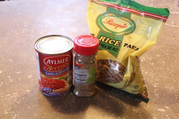 Rice Pasta with Garlic & Tomato Sauce: 3ten.ca #glutenfree #dinner