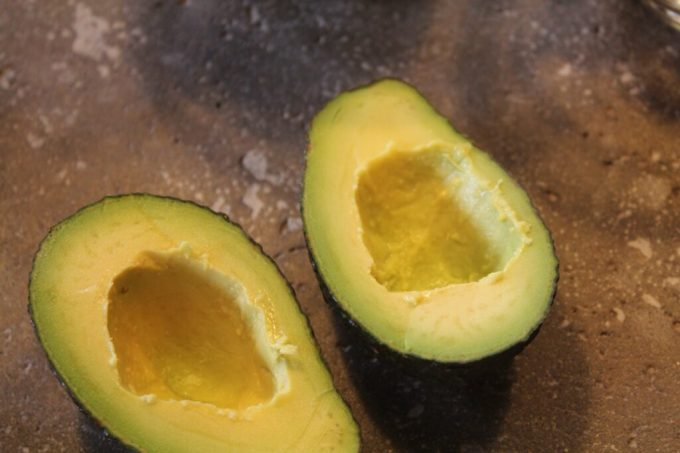 Baked Egg and Avocado: 3ten.ca This recipe is quick and easy - try it today! #avocado