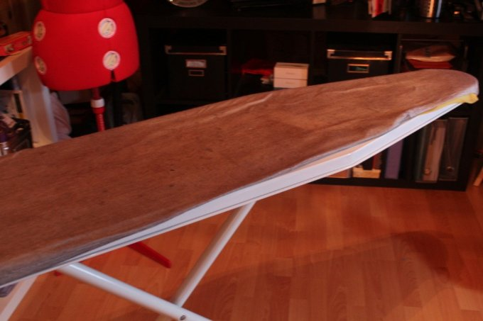 DIY Ironing Board Cover: 3ten.ca #chevron