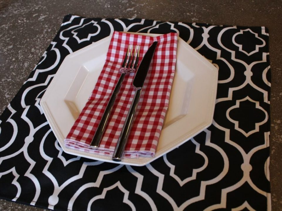 Outdoor Placemat: 3ten.ca