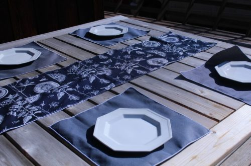 Navy Runner and Placemats: 3ten.ca