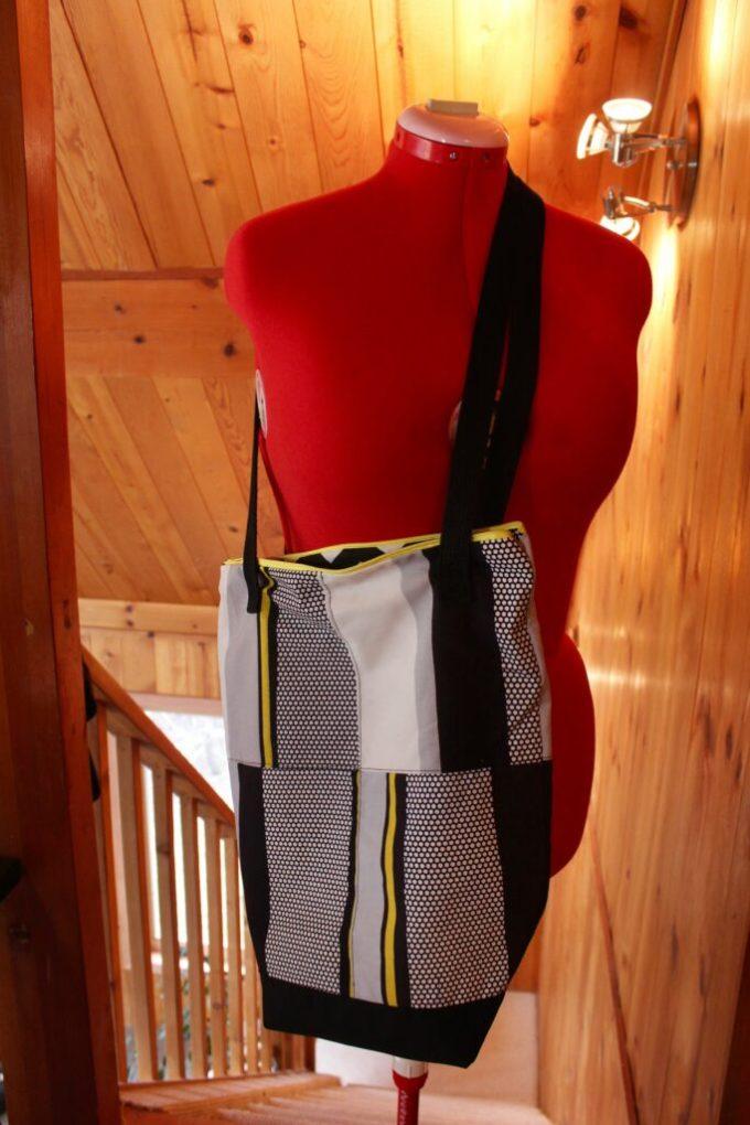 Over the Shoulder Bucket Bag: 3ten.ca