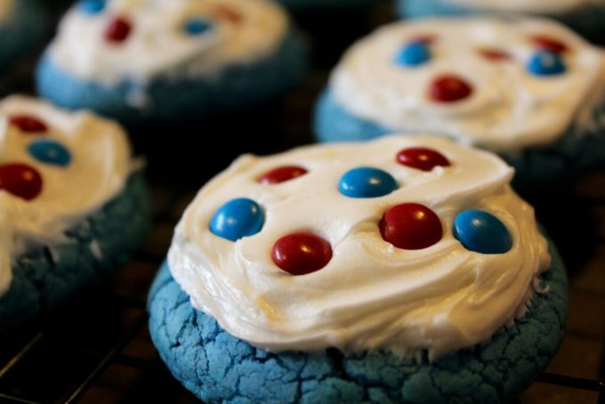 Independence Day Blue Velvet Iced Cookies: 3ten.ca