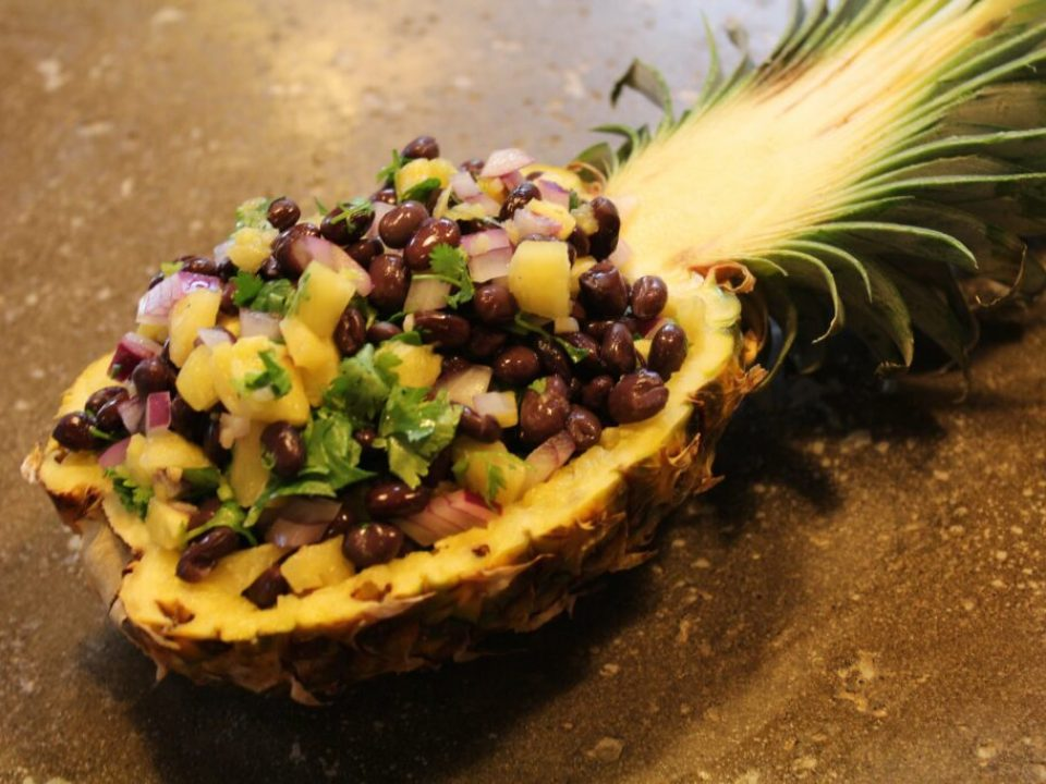 Fresh Pineapple Salsa: 3ten.ca