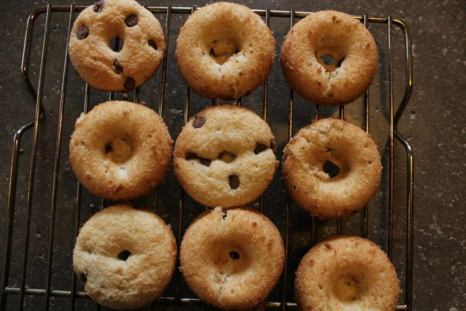 Chocolate Chip Donuts: 3ten.ca