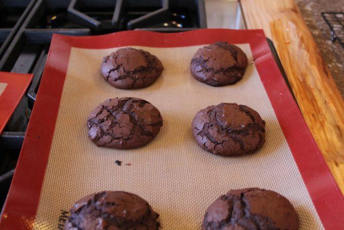 Chocolate Cake Cookies: 3ten.ca