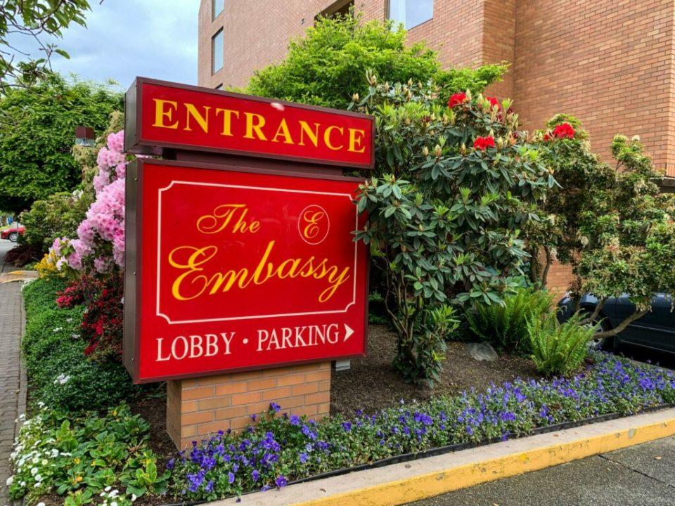 Embassy Inn Review: 3ten.ca