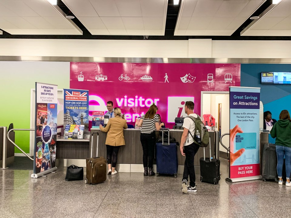 Where to by an Oyster Card at Gatwick Airport: 3ten.ca