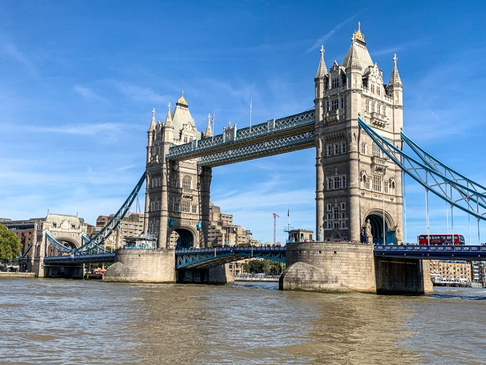 Tower Bridge: 3ten.ca