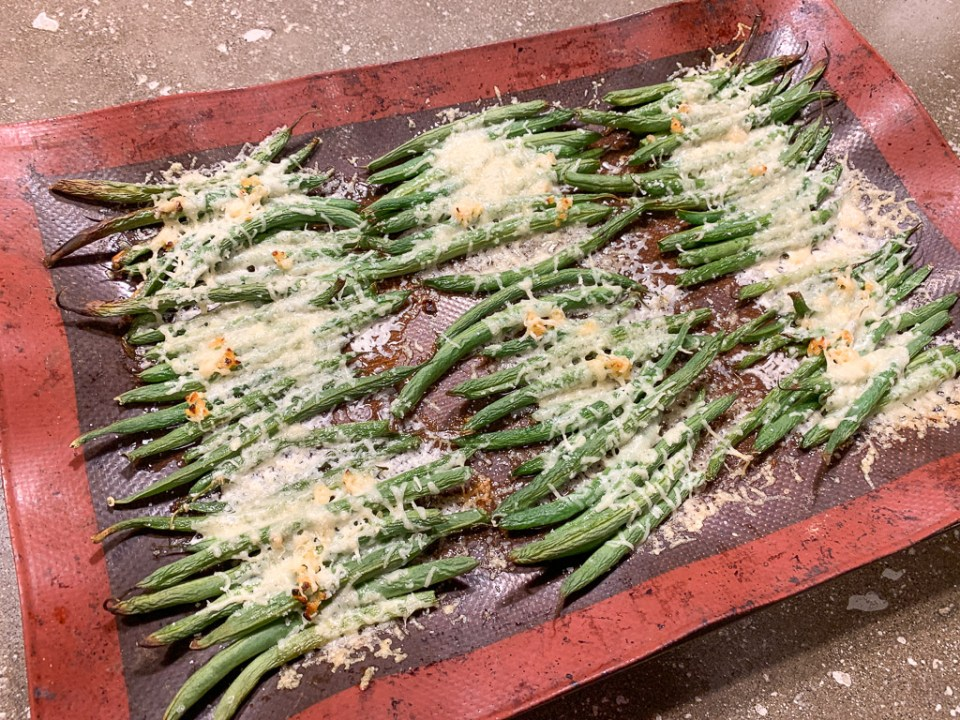 Roasted Cheesy Green Beans: 3ten.ca