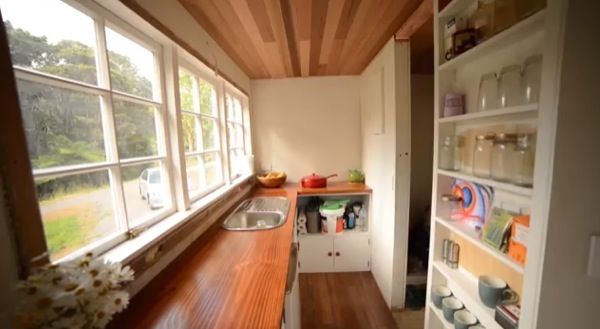 tiny house with no kitchen