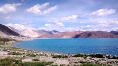 The lake and its many shades of blue - 2