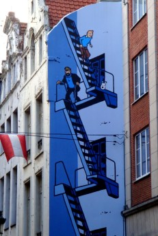 Tintin & Captain Haddock trying to make their way down a flight of stairs - Along the Comic Book route in Brussels (2)