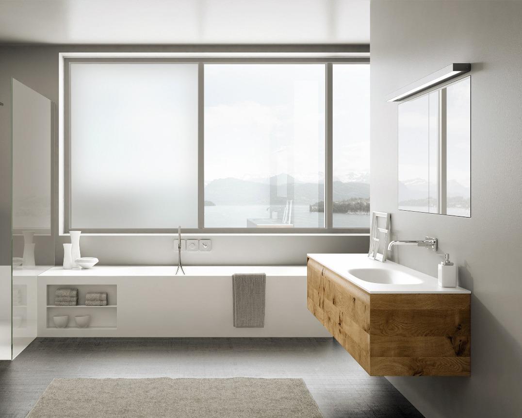 Badezimmerfenster mit schaltbarem Glas