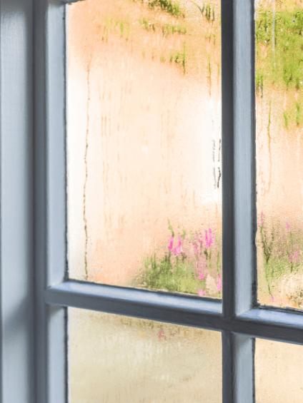 Kondensat am Fenster innen