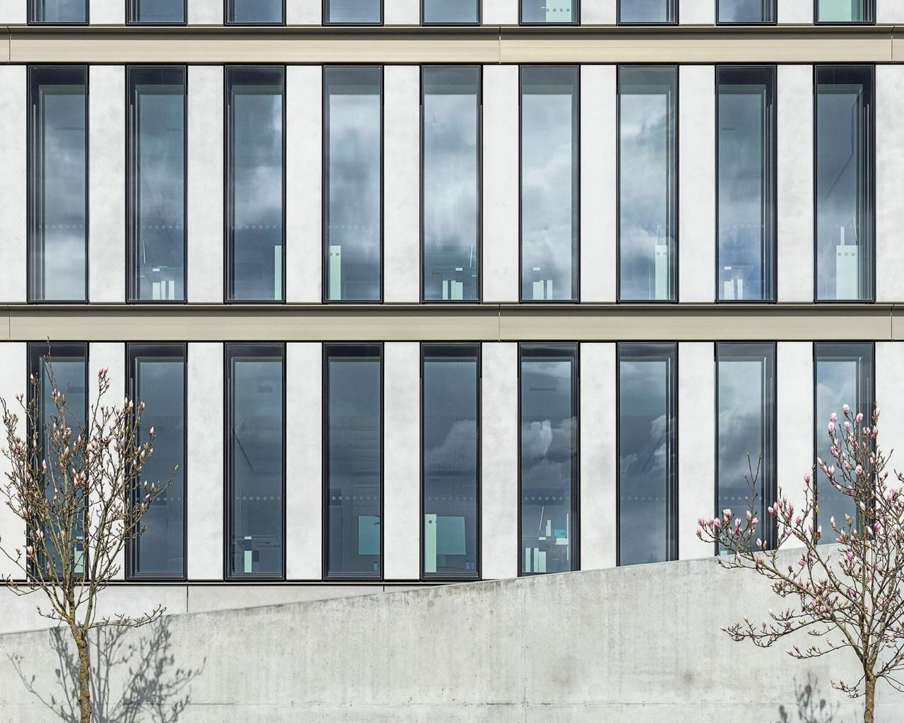 Pfosten Riegel Fassade FS1 von 4B
