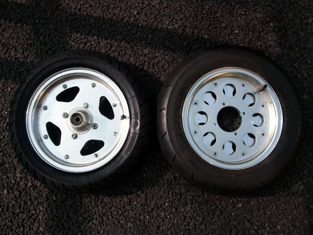 モンキーのタイヤ