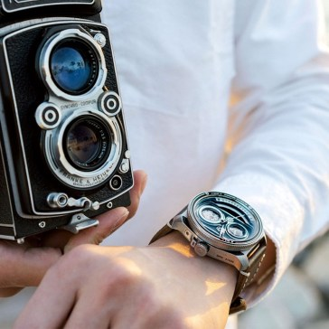 This $579 watch was inspired by the twin-lens reflex cameras of yesteryear