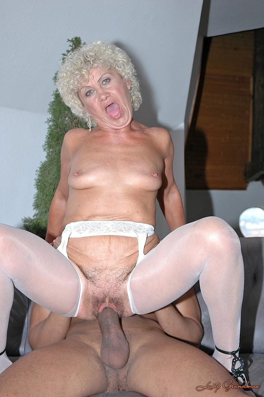 i love naked mature women