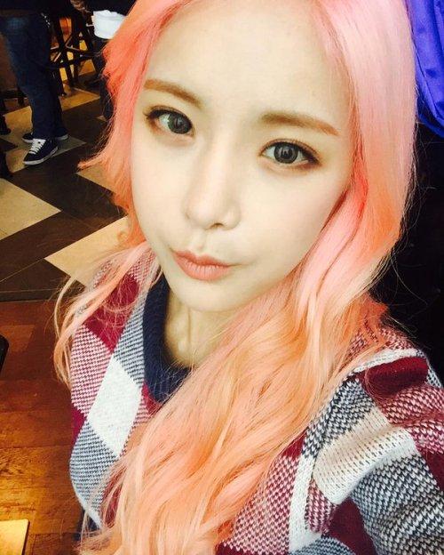 girl and fashion,Korean Girls,Korean,Model,Dream Girls,Korean Model,Korean Girl,korea, beautiful,Pop idol, HyunYoung (Rainbow), HyunYoung,Rainbow,