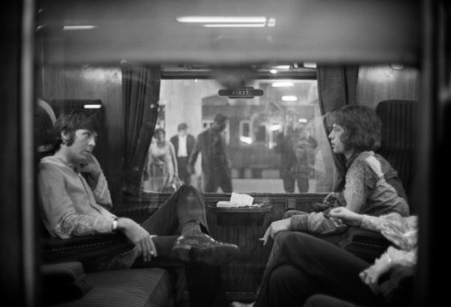 aconversationoncool:</p><br /><br /><br /><br /><br /> <p>Paul McCartney and Mick Jagger traveling to Bangor, 1967. <br /><br /><br /><br /><br /><br />