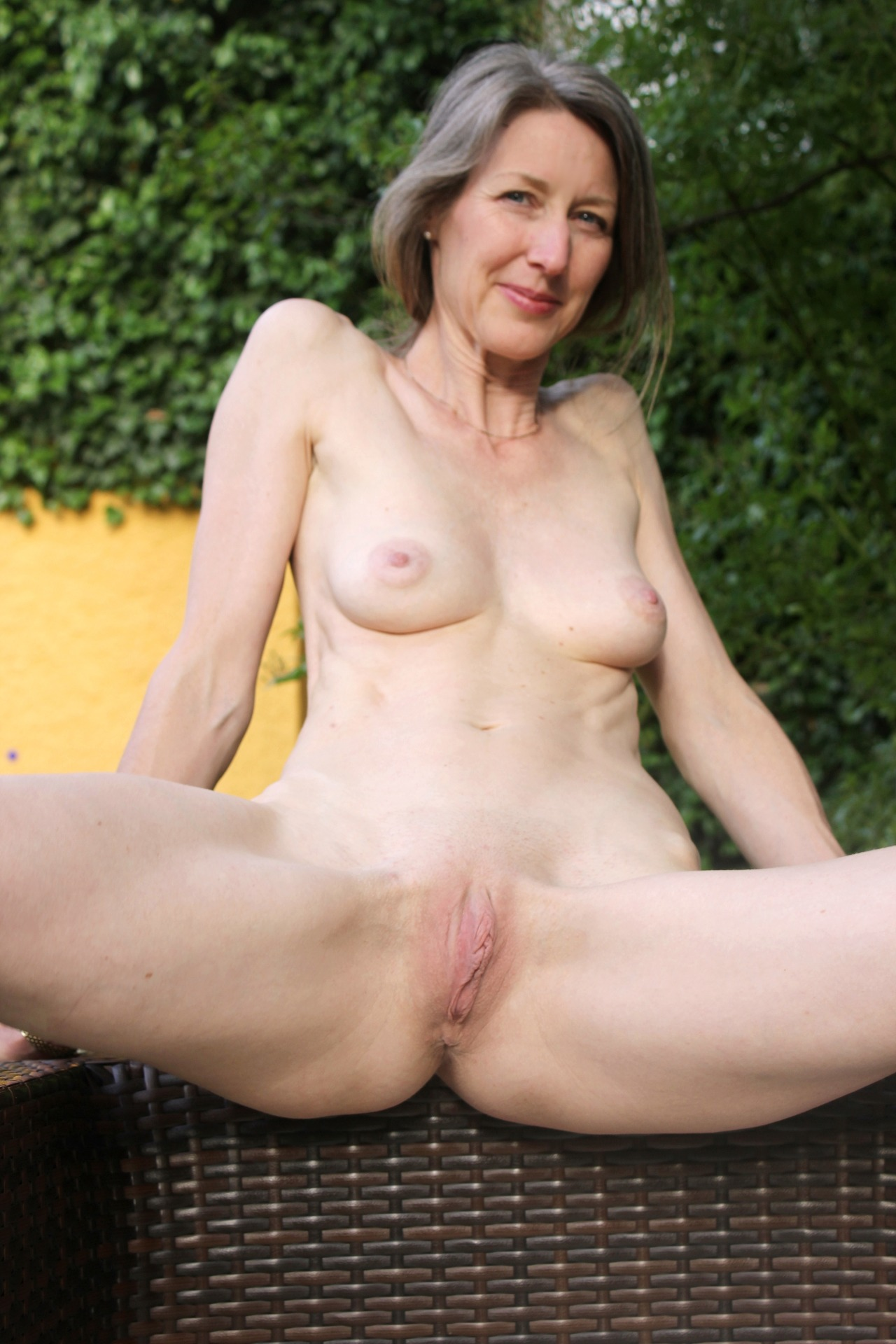 I want to fuck milfs