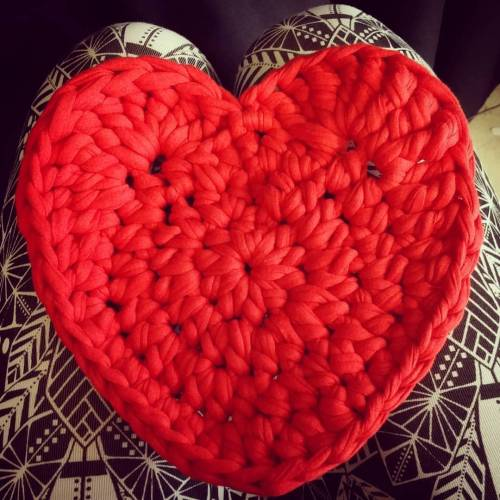 Corazón hecho (de) un trapo. #trapillo #crochet #ganchillo...