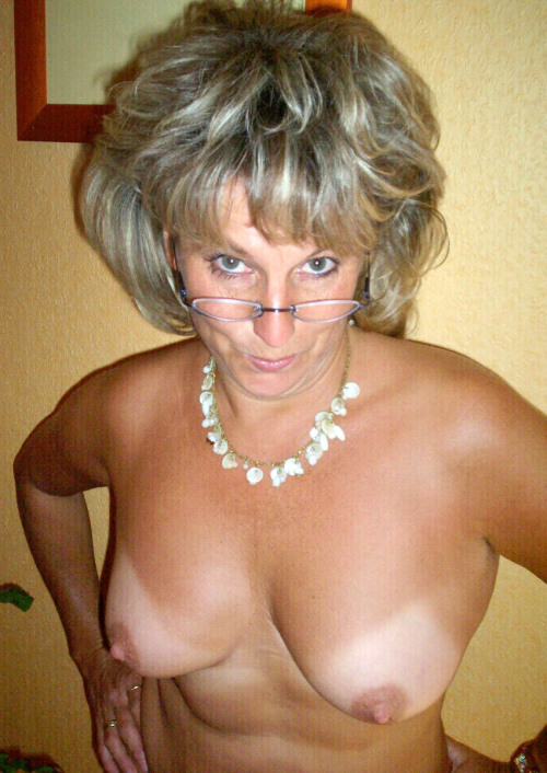 beautifulwives2:  See more beautiful women doing the things they like to do at www.beautifulwives2.tumblr.com.   Reblog… Follow… Submit photos… Share…  Mature wife with great rack has needs.
