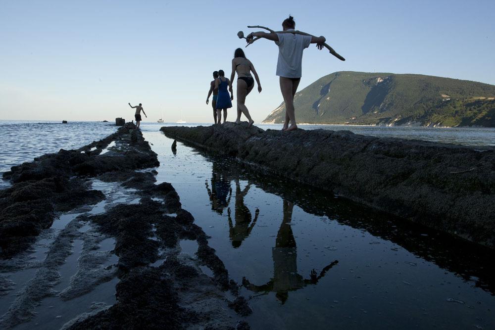 Virginia Zanetti, Walking on the water. Miracle_Utopia, Biennale del Mediterraneo, Portonovo, Ancona, 2013 ph di Pamela Bralia