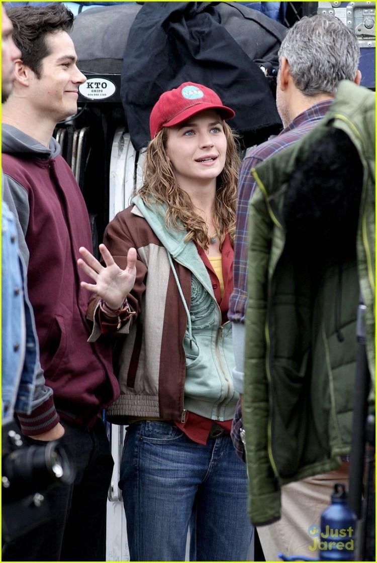 Dylan News - Britt Robertson hangs out with boyfriend Dylan...
