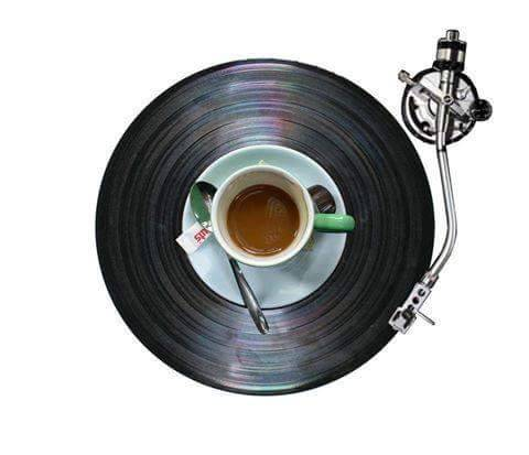 vulcanicamente62: All you need is coffee, music, love, kisses, hugs.  Good morning  @ladypaolabo @nonmentomaiamestesso @donna-invisibile @inunastanzatuttaperme @soulscrayons @senzanessunameta @sonoventodestate