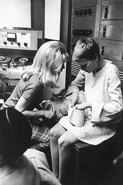 Nancy Sinatra and Mia Farrow