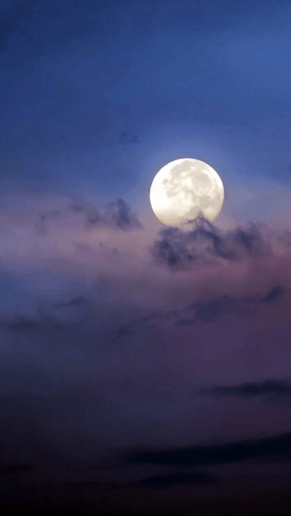 moon lockscreen | Tumblr