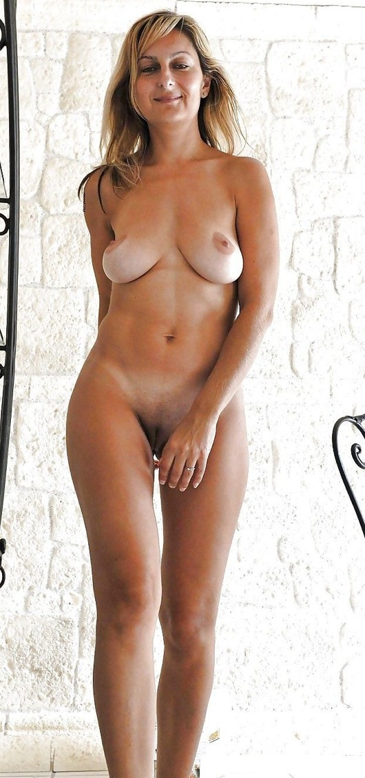 Full frontal nude college girl pictures