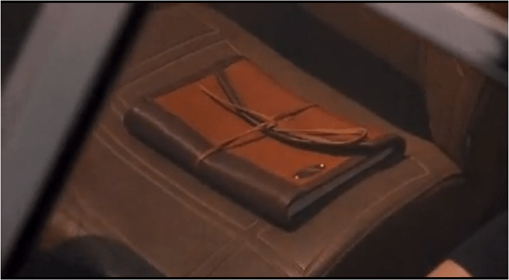 Art journals in movies and television #3: Sebastian's (Philip Phillipe) journal in Cruel Intentions! It's a lovely leather notebook. Love this one! He calles the journal 'his most prized possession'.