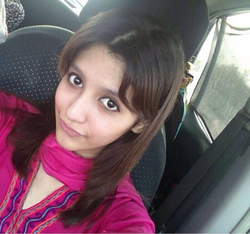 Cute Pakistani girl semi-nude selfies(via Indian Girls)