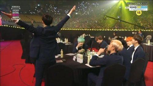 bangtanandchills: the rest of bangtan so embarrassed bcs of jeon jungkook (photo: @featjikook)
